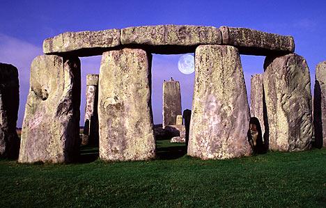 stonehengedm3004_468x299.jpg