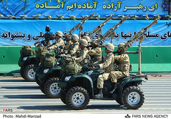 Iranian Military Parade 2010 - Dune buggies (1)